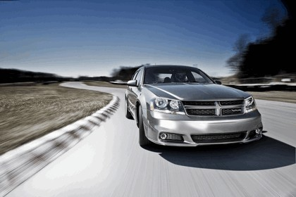 2012 Dodge Avenger RT 8