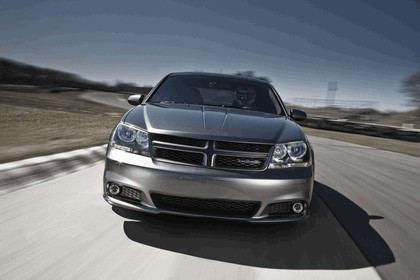 2012 Dodge Avenger RT 9