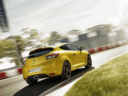 2011 Renault Megane RS Trophy 4