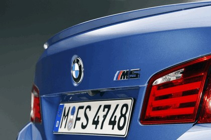 2011 BMW M5 ( F10 ) 11