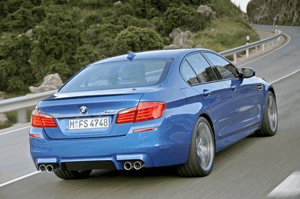 2011 BMW M5 ( F10 ) 32