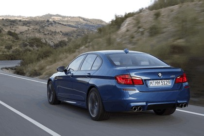 2011 BMW M5 ( F10 ) 214