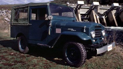 1955 Toyota Land Cruiser canvas top ( BJ25 ) 3