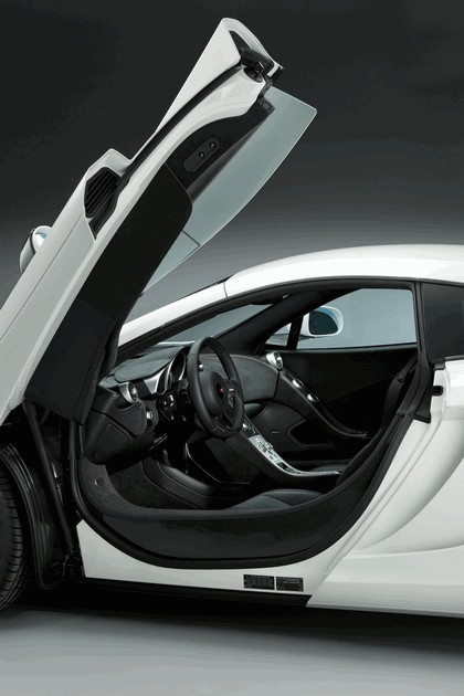 2011 McLaren MP4-12C white edition 18