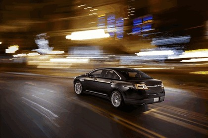 2013 Ford Taurus Limited 13