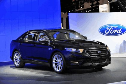 2013 Ford Taurus Limited 22