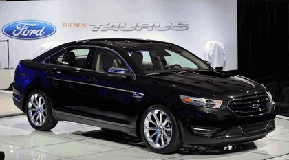 2013 Ford Taurus Limited 24