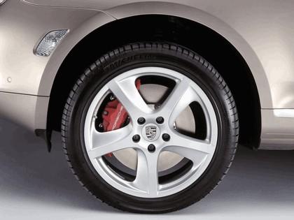 2006 Porsche Cayenne Turbo S 13