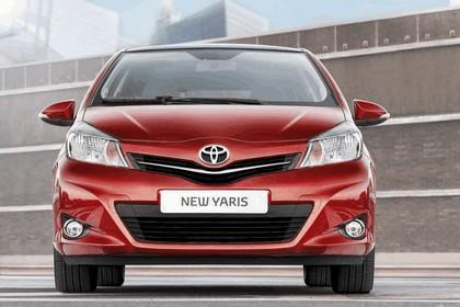 2012 Toyota Yaris 6
