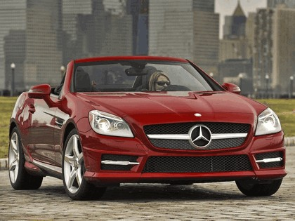 2011 Mercedes-Benz SLK 350 AMG with Sports Package - USA version 18