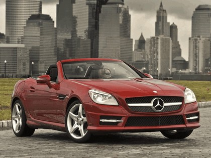 2011 Mercedes-Benz SLK 350 AMG with Sports Package - USA version 19