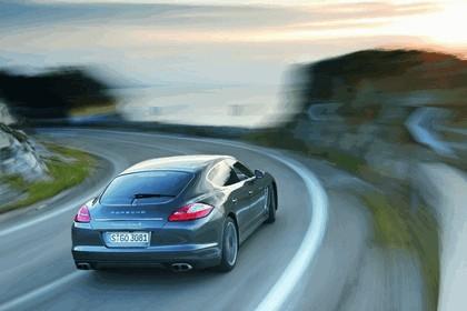 2011 Porsche Panamera Turbo S 23