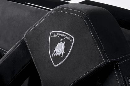 2010 Lamborghini Gallardo LP570-4 spyder Performante 9