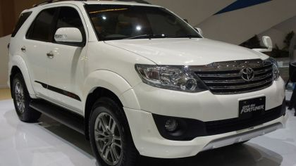 2011 Toyota Fortuner Sportivo by TRD 2