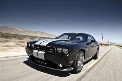 2012 Dodge Challenger SRT8 392 32