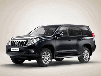2010 Toyota Land Cruiser 2