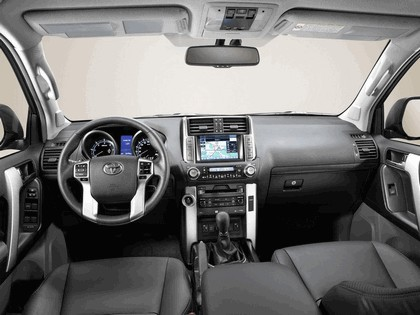 2010 Toyota Land Cruiser 10