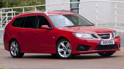 2011 Saab 9-3 Griffin SportCombi - UK version 1