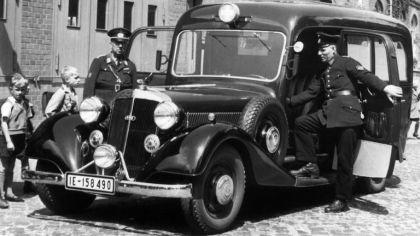 1954 Horch 830 BL sanitatskraftwagens 2
