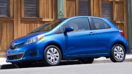 2011 Toyota Yaris LE 3-door - USA version 8