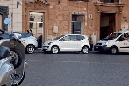 2011 Volkswagen Up 26