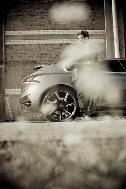 2011 Peugeot HX1 concept 27