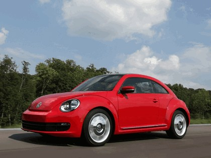2011 Volkswagen Beetle - USA version 3
