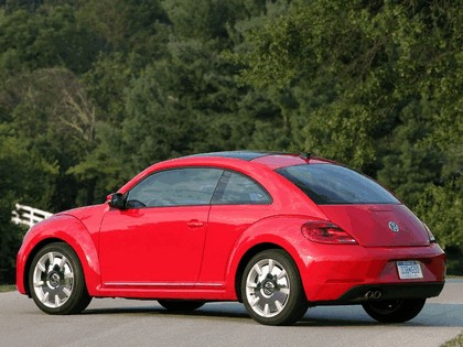 2011 Volkswagen Beetle - USA version 6