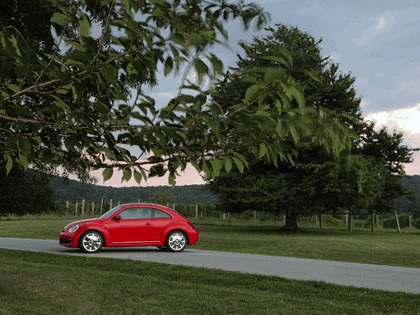 2011 Volkswagen Beetle - USA version 7