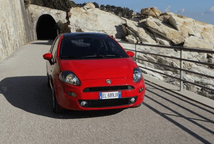 2012 Fiat Punto 16