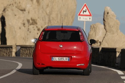 2012 Fiat Punto 18