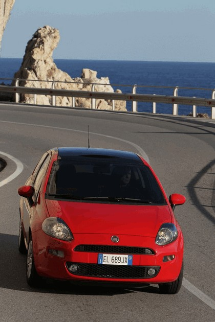 2012 Fiat Punto 19