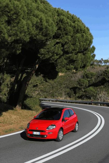 2012 Fiat Punto 27