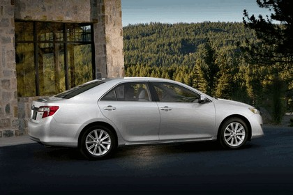 2012 Toyota Camry XLE 3