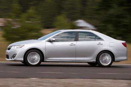 2012 Toyota Camry XLE 9