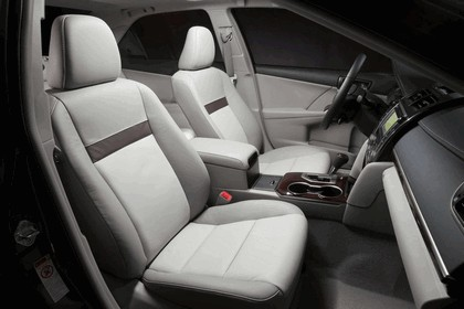 2012 Toyota Camry XLE 10