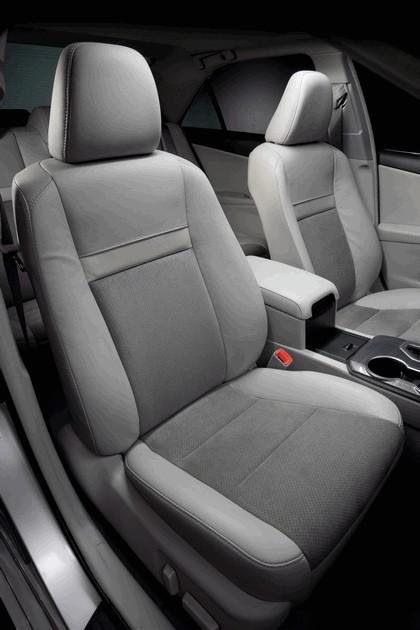 2012 Toyota Camry hybrid 28