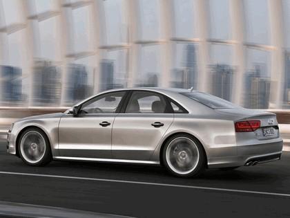 2011 Audi S8 11