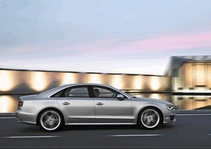 2011 Audi S8 12