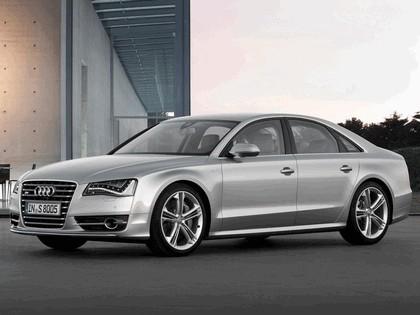 2011 Audi S8 13