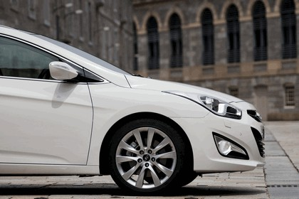 2011 Hyundai i40 station wagon CRDi - UK version 10