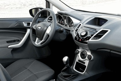 2011 Ford Fiesta 6