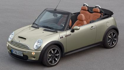 2006 Mini Cooper S convertible sidewalk 5