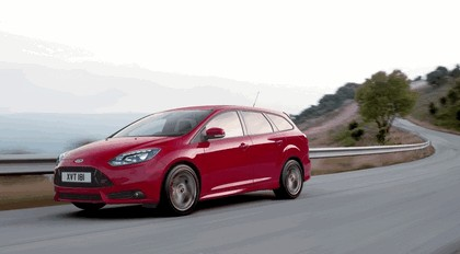 2011 Ford Focus ST wagon 2