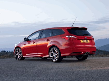 2011 Ford Focus ST wagon 5