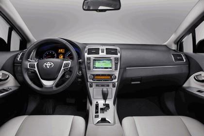 2011 Toyota Avensis 19