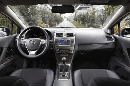 2011 Toyota Avensis 27