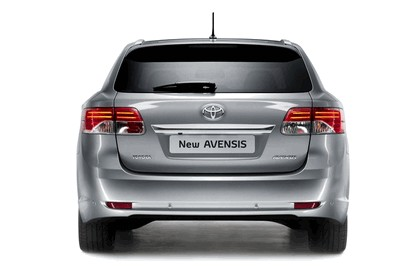 2011 Toyota Avensis SW 8