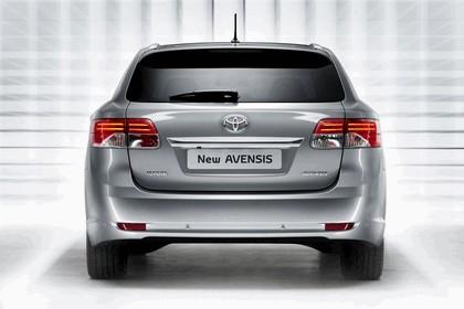 2011 Toyota Avensis SW 11