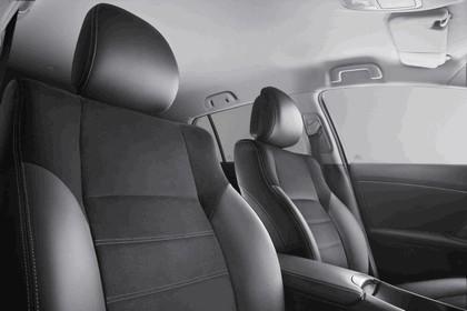 2011 Toyota Avensis SW 29